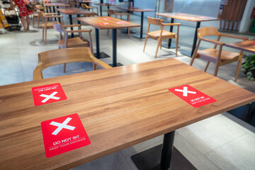XEMD5050 Social Distance Table Markings